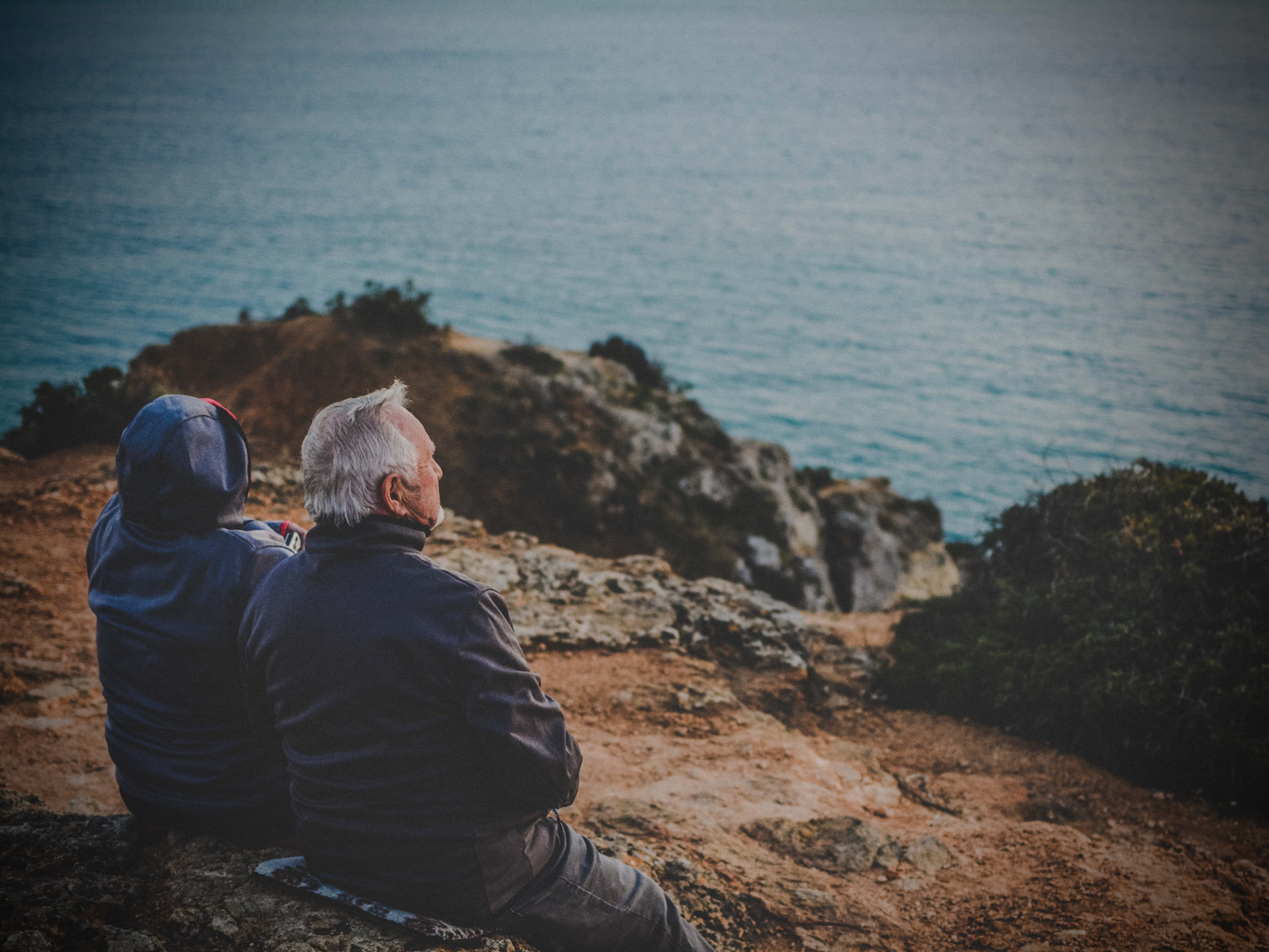 Staying Positive and Managing Mood as a Caregiver:  5 Important Steps to Take